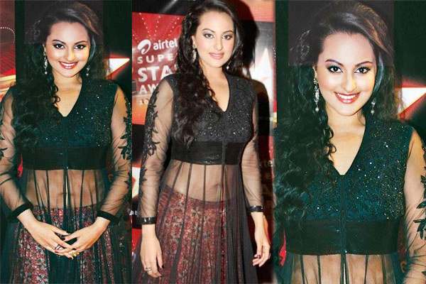 Beuties flaunts Anarkali the best! Sonakshi Sinha,Keira Knightley and Scarlett Johansson naked