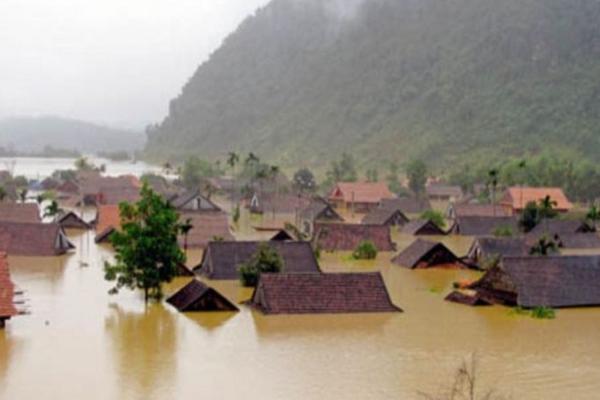 वियतनाम में बाढ़ से 13 मरे