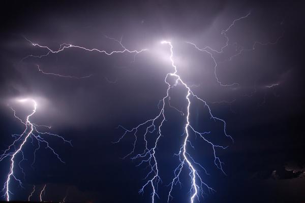 बिहार में आकाशीय बिजली गिरने से 17 की मौत, कई घायल