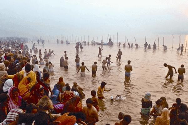 मौनी अमावस्या पर 1.81 करोड़ श्रद्धालुओं ने संगम में लगाई डुबकी