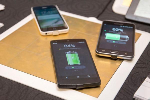 Image result for अब वायरलेस स्टीकर से चार्ज होगा आपका मोबाइल फोन