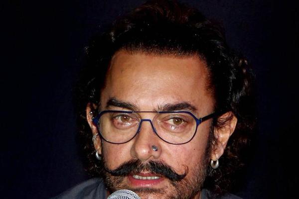 आमिर खान को चीनी प्रशंसकों से मिला खास उपहार