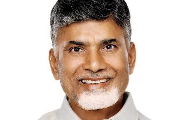 आंध्र के मुख्यमंत्री ने पारिवारिक सदस्यों के साथ अमरावती में वोट डाला