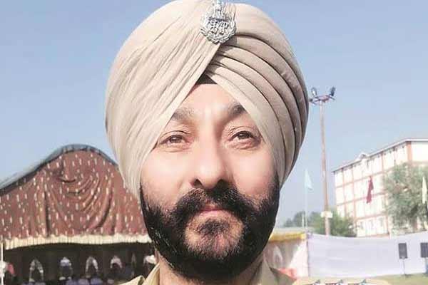 गिरफ्तार डीएसपी देविंदर सिंह को बर्खास्त करने की सिफारिश