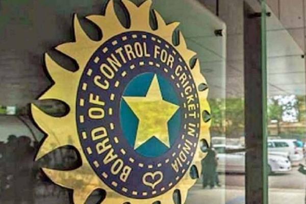 आईपीएल के बाकी मैचों को मुंबई शिफ्ट करने की बीसीसीआई की योजना