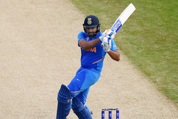 रोहित 9000 रन बनाने वाले तीसरे सबसे तेज बल्लेबाज बने