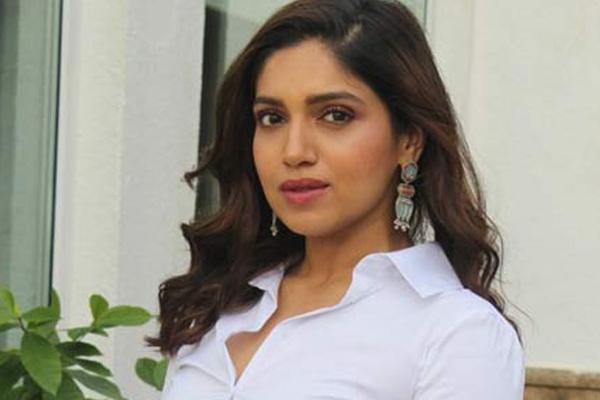 मुंबई । बॉलीवुड अभिनेत्री भूमि पेडनेकर का कहना है कि वह खुद से प्यार  करती हैं और महामारी के दौरान उन्होंने उन चीजों पर ध्यान केंद्रित किया है  जो उन्हें खुश करती हैं। भूमि ने कहा,
