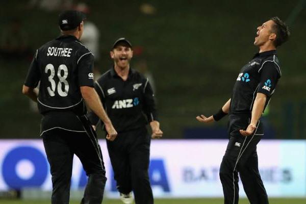 अबु धाबी वनडे : बोल्ट की हैट्रिक से जीता न्यूजीलैंड