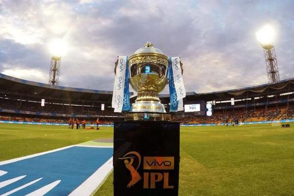 आईपीएल-12 : अंतिम-2 प्लेऑफ स्थान के लिए 5 टीमों में टक्कर