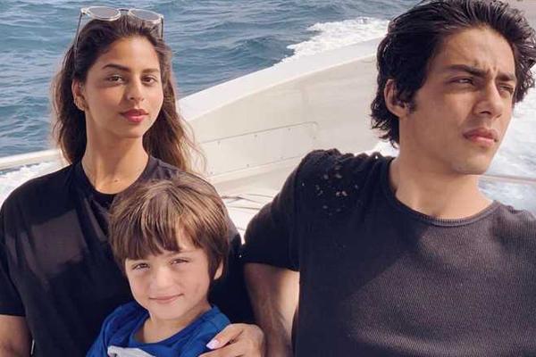 गौरी खान ने अपने 3 बच्चों की तस्वीर साझा की