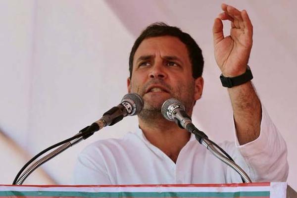 मोदी को डराकर कोई भी काम कराना आसान : राहुल