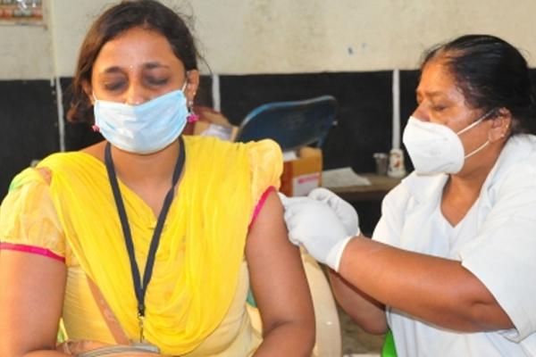भारत में एक दिन में 41 हजार से ज्यादा कोविड मामले और 593 मौतें