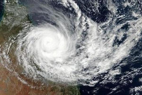 तूफान फेनी के लिए नौसेना हाई अलर्ट पर