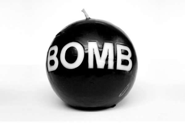 अमेरिका में कई स्थानों पर ईमेल, फोन से बम की धमकियां