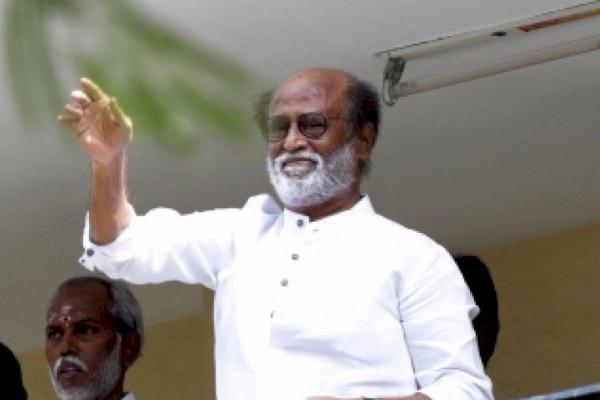 रजनीकांत ने तमिलनाडु में ईमानदार सरकार लाने की प्रतिज्ञा की, जनवरी में लाएंगे पार्टी