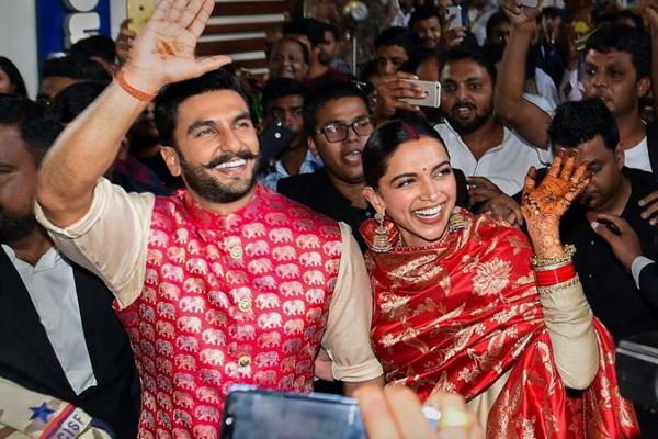 नवविवाहित रणवीर, दीपिका का प्रशंसकों ने स्वागत किया