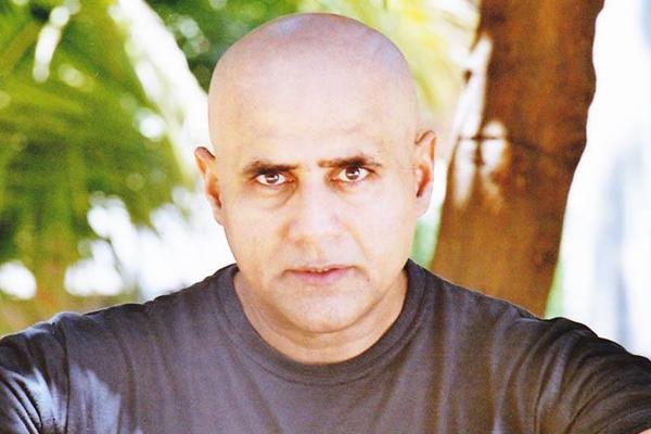 शर्ट उतारने से कोई बॉडीबिल्डर नहीं बन जाता : पुनीत इस्सर