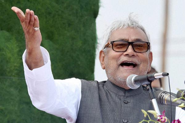 राहुल के अलावा कोई दूसरा कांग्रेस अध्यक्ष बन भी नहीं सकता : नीतीश