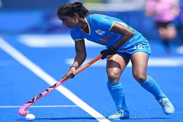 ओलंपिक (महिला हॉकी) : वंदना की हैट्रिक, भारत ने द. अफ्रीका को 4-3 से हराया