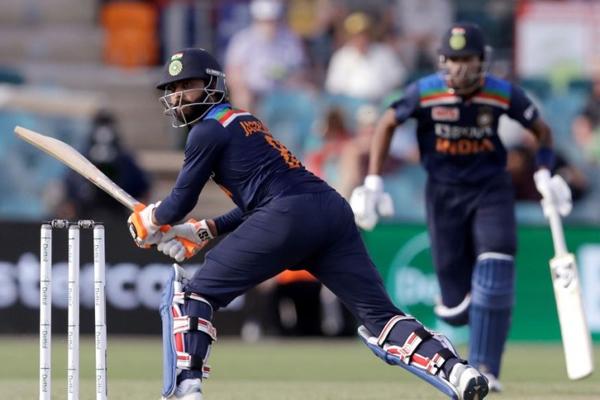 कैनबरा वनडे : भारत ने आखिरी मैच में आस्ट्रेलिया को 13 रनों से हराया