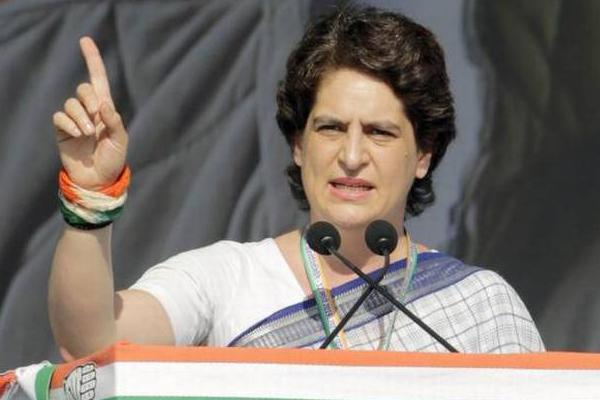 मोदी से बड़ा कायर और कमजोर प्रधानमंत्री नहीं देखा : प्रियंका