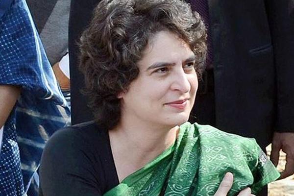 कुंभ स्नान के साथ राजनीतिक पारी शुरू कर सकती हैं प्रियंका