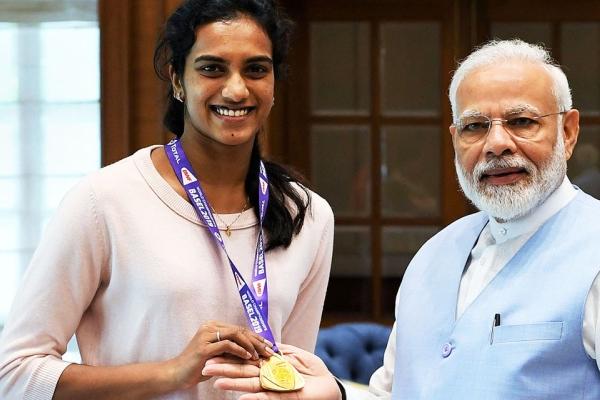 स्वदेश लौटने के बाद प्रधानमंत्री मोदी से मिलीं सिंधु