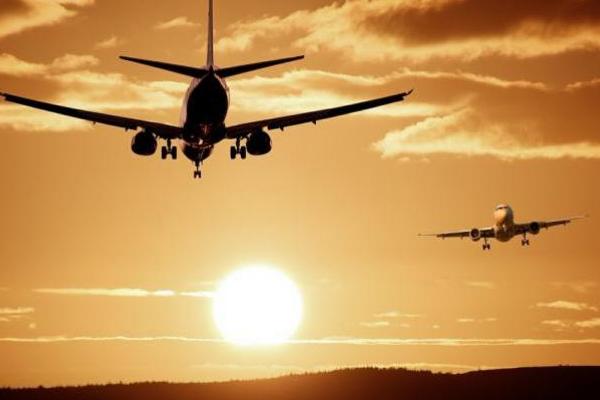 श्रीनगर, जम्मू में नियमित उड़ान परिचालन शुरू