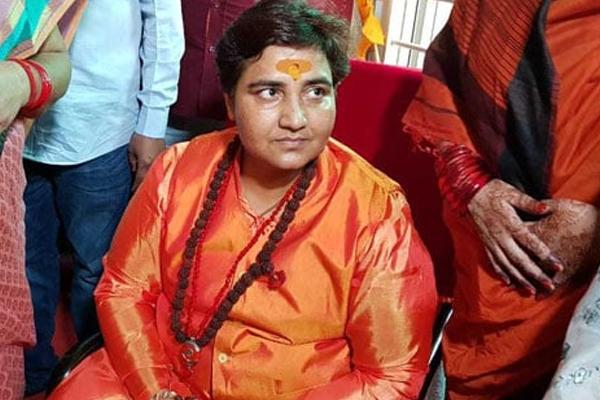 साध्वी प्रज्ञा भाजपा में शामिल, चुनाव लड़ेंगी