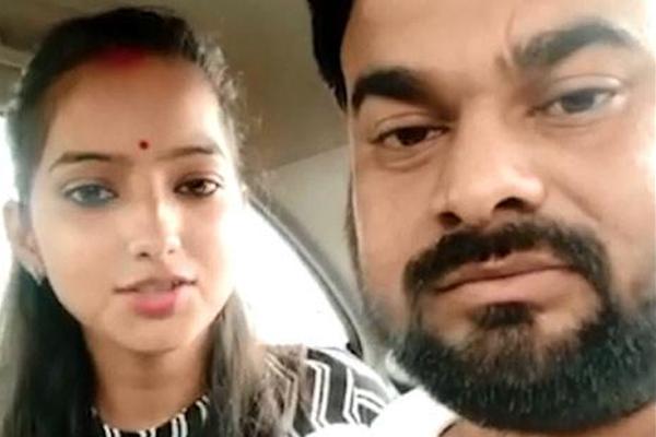 साक्षी मिश्रा ने बरेली में कराया विवाह का पंजीकरण