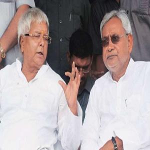 लालू ने ट्वीट कर नीतीश कुमार को बताया मुख्य मौका मंत्री