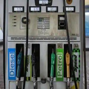 पेट्रोल, डीजल के दाम में बड़ी वृद्धि, दिल्ली में 83.13 रुपये प्रति लीटर हुआ पेट्रोल