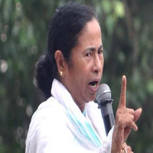 बंगाल में हिंसा फैलाने वालों को ममता ने दी चेतावनी