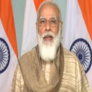 PM मोदी ने दुर्गा पूजा के मौके पर बताया नारी शक्ति का महत्व