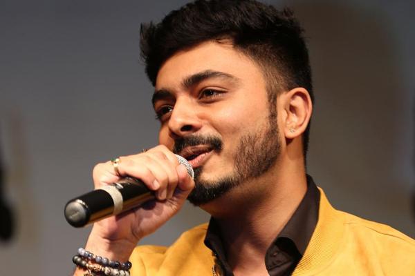 बॉलीवुड में 1 गीत पाने के लिए सैकड़ों बाधाएं पार करनी पड़ती हैं : अभय