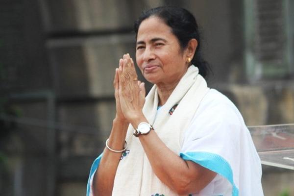 पश्चिम बंगाल : विपक्ष की भाजपा विरोधी रैली में ममता का जोरदार स्वागत