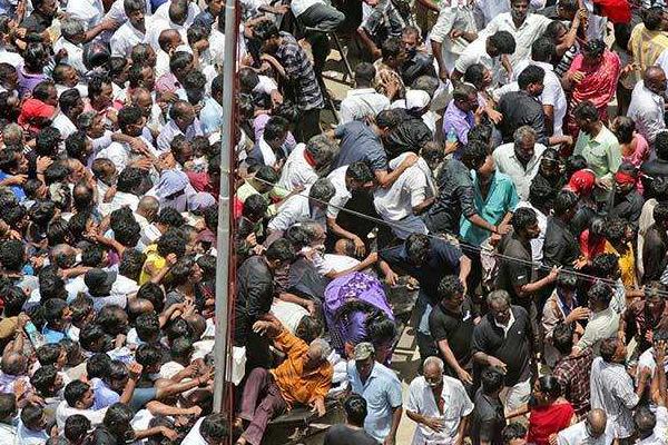चेन्नई : भगदड़ में 2 की मौत, 35 घायल