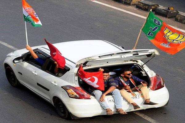 वायरल फोटो : केरल में राजनीतिक द्वेष के बीच तीन झंडों वाली कार ने जीता दिल !