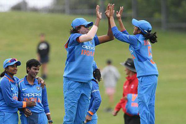 महिला क्रिकेट : न्यूजीलैंड को हराकर भारत ने रचा इतिहास