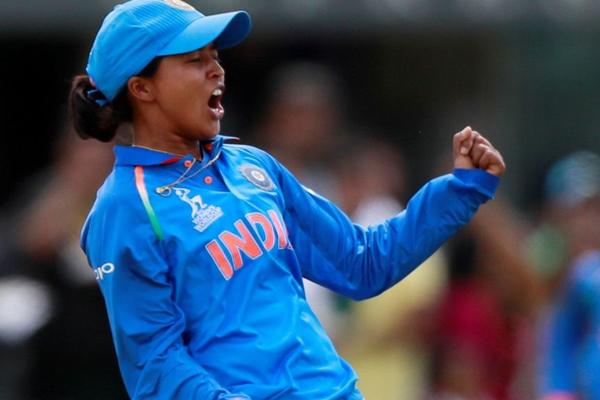 महिला क्रिकेट : भारत ने इंग्लैंड को 66 रन से हराया