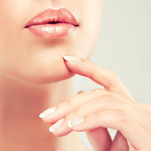 10 Natural टिप्स:होंठों के कालेपन से पाएं छुटकारा