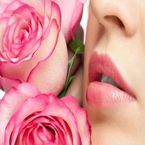 10 टिप्स देे खूबसूरत, मुलायम गुलाबी होंठ