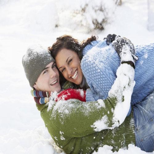 सर्दियों का मौसम रोमांस को कर दें दुगना