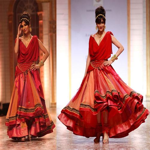 इंडियन फैशन वीक में हॉट अभिनेत्रियों के जलवे