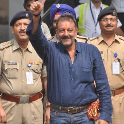2016:सुर्खियां बटोरी संजू बाबा की रिहाई ने...