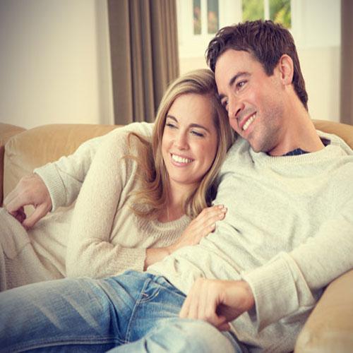 सुखी विवाहित जीवन के लिए 5 रोमांटिक टच