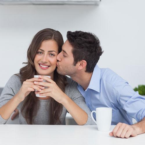 7 टिप्स-अंतरंग पलों को थोडा रोमांटिक टच देने के लिए