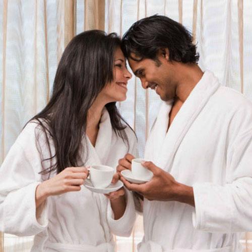 8 टिप्स:40 की उम्र के बाद भी रहें रोमांटिक