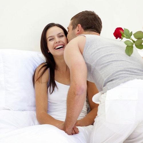 वैवाहिक जीवन को कामयाब बनाने के रोमांटिक टिप्स