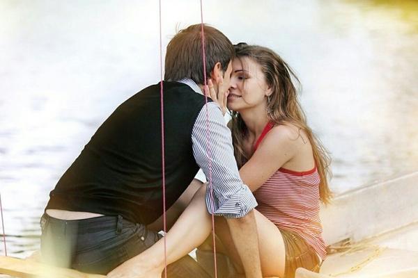 रोमांटिक जीवन के इन नियमों को अपनाने से हो जाती हैं राहें आसान